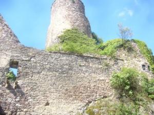 Burg Layen - Grosser Turm Kleiner Turm