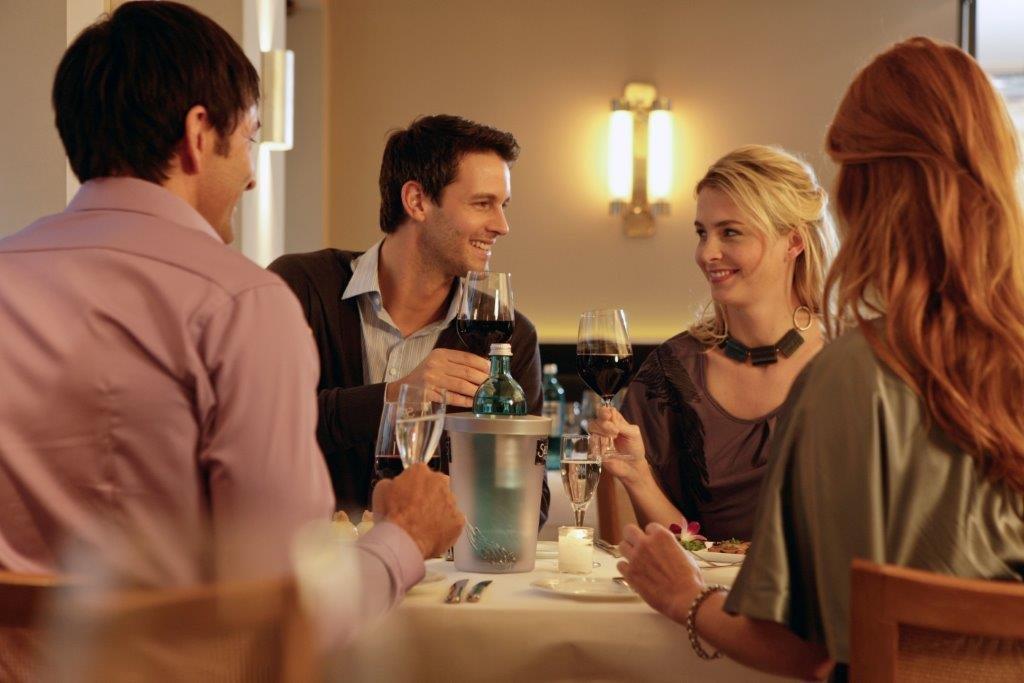 Romantisches Wochenende im Weingut Höfer mit Weinen im Restaurant