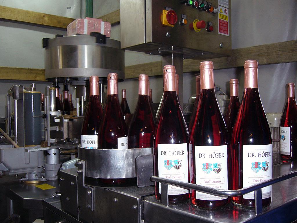 Weingut Dr.Höfer Weinkeller und Produktion