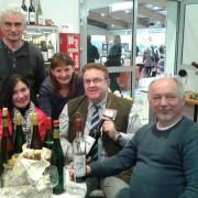 Weingut Höfer Wein mit Freunden geniessen